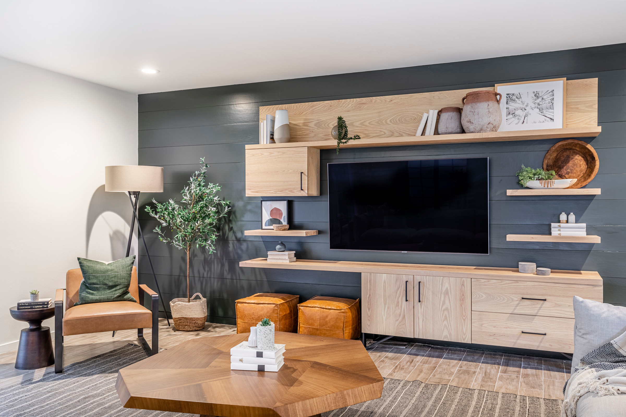 75 Beautiful Shiplap Wall Family Room Pictures Ideas March 2021 Houzz