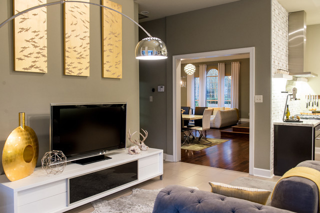 Family room - small contemporary family room idea in New Orleans