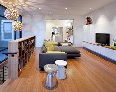 EDDIE House modern-family-room