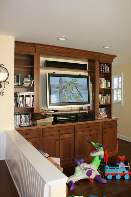 Edgewood Avenue, Larchmont (Entertainment Center)  family room