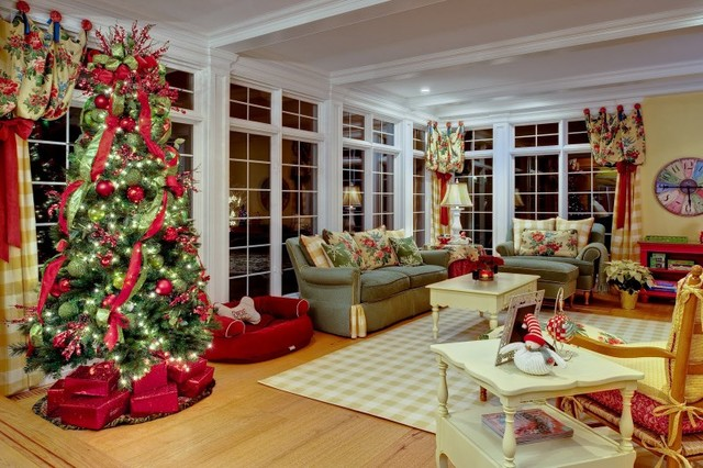 English Country Cottage Traditional Family Room