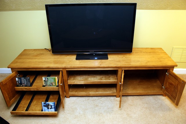 Entertainment Console contemporary-family-room