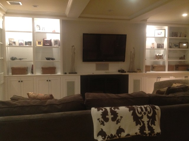 Entertainment Unit traditional-family-room