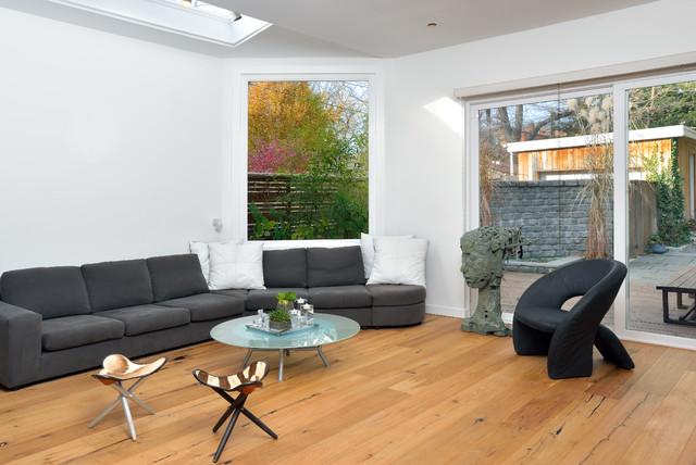 Erskine contemporary-family-room