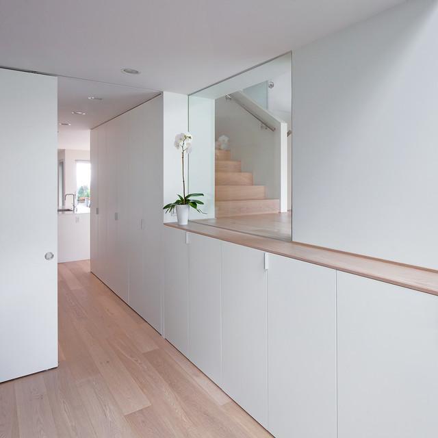 evergreen renovation moderne salle de s jour vancouver par splyce design. Black Bedroom Furniture Sets. Home Design Ideas