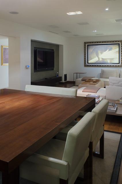 Explanada contemporary-family-room