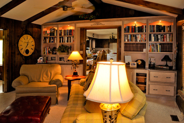 Family Room Design - Entertaining Libraries and Dens traditional-family-room