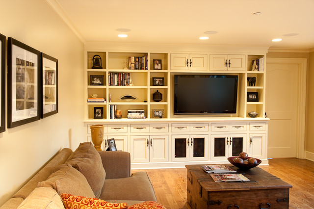 Family Room traditional-home-theater