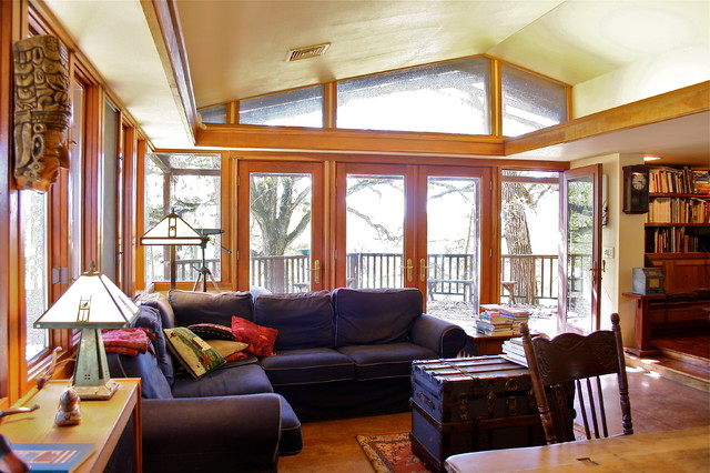 Family room with vaulted ceiling, bands of windows, corner window, light de contemporary-family-room
