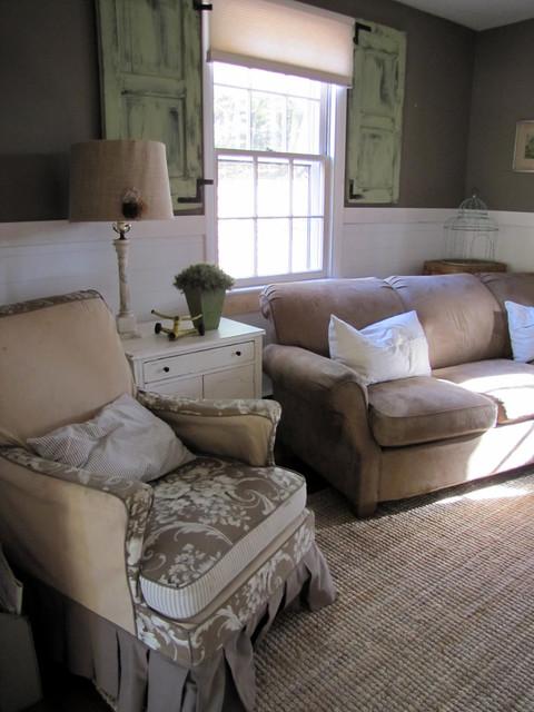 Farmhouse Den farmhouse-family-room