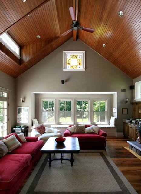 Farmhouse traditional family room