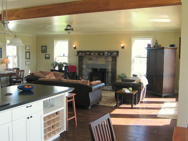 Farmhouse family room for Maison design com