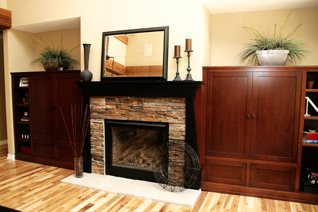 Fireplace traditional-family-room