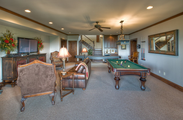 Flaherty traditional-family-room