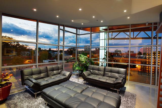 Flute House modern-family-room