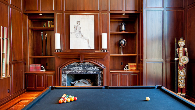 Game room traditional-family-room