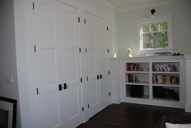 Gary M. Lane traditional-family-room