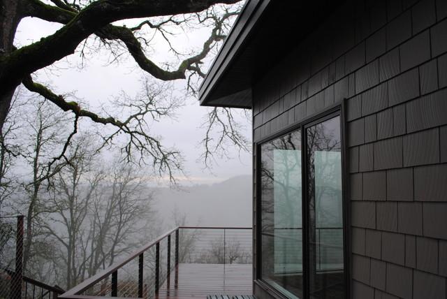 Glen Eagles modern-family-room