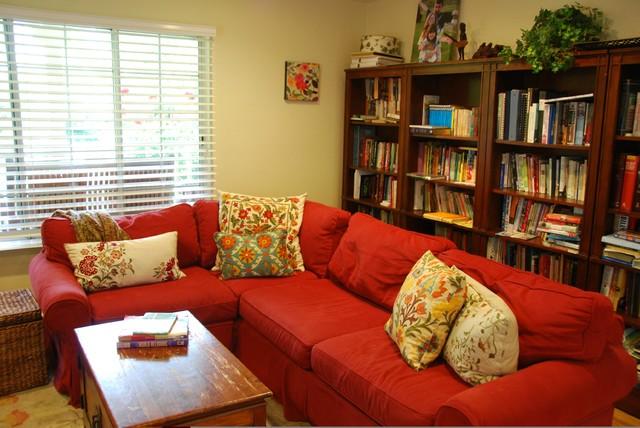 Glenborough Drive traditional-family-room