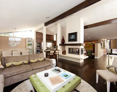 Globus Builder contemporary-family-room