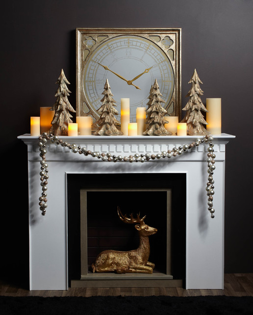Glowing holiday mantel contemporary family room - Modern christmas mantel ideas ...