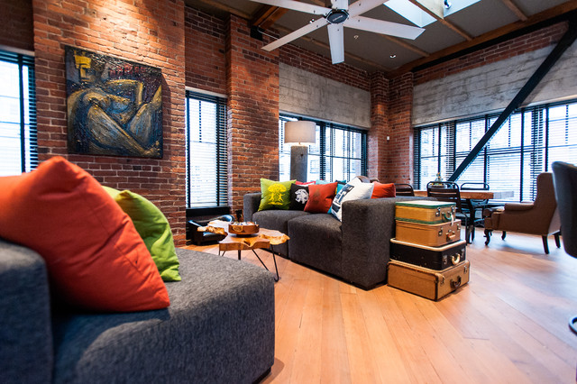Hamilton eclectic industrial contemporary family for Interior design wohnzimmer
