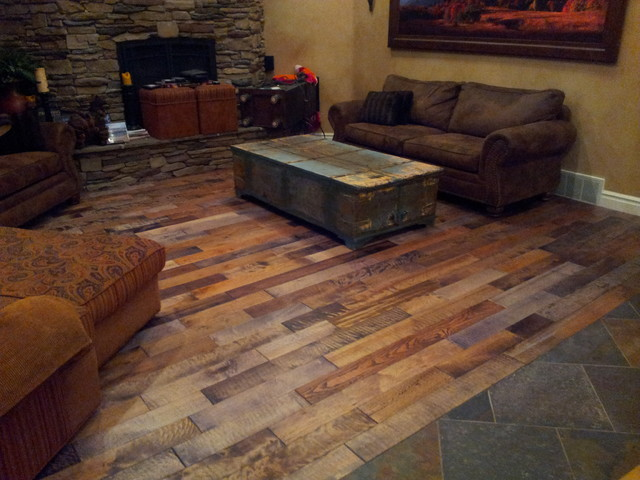Hand Scraped Mixed Specie Wood Planks Rustic Family