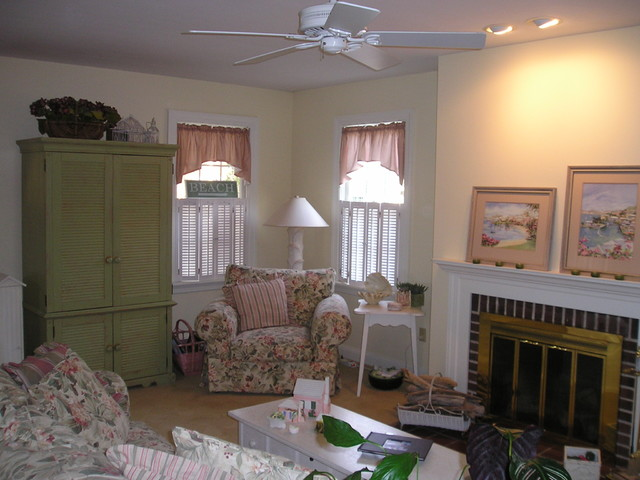Homes by BROM Builders, CT traditional-family-room