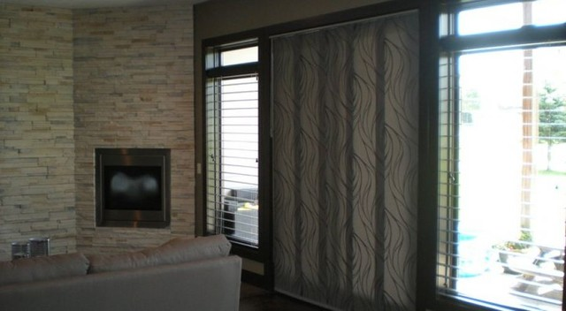 Hunter Douglas Skyline And Metal Blinds Transitional Family Room