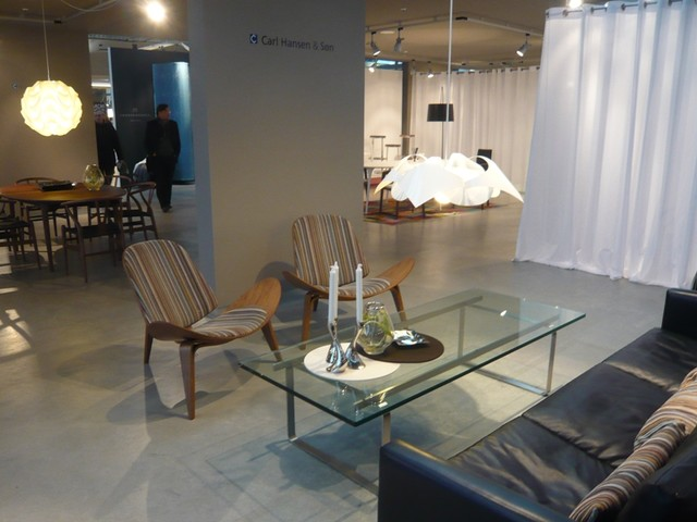 IMM contemporary-family-room