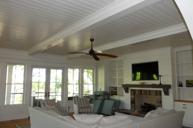 Isle Of Palms traditional-family-room