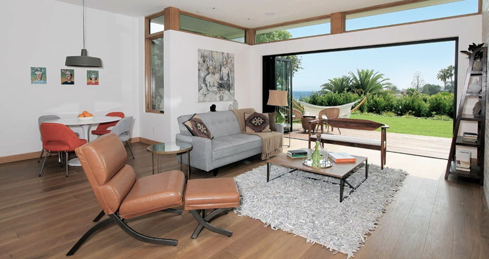 Family room - contemporary family room idea in Los Angeles