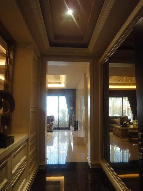 katherine_tw contemporary-family-room