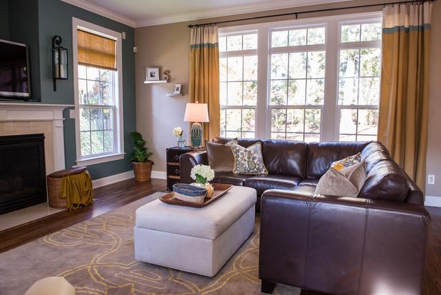 Kid Friendly Family Room - Klassisch modern - Wohnzimmer ...