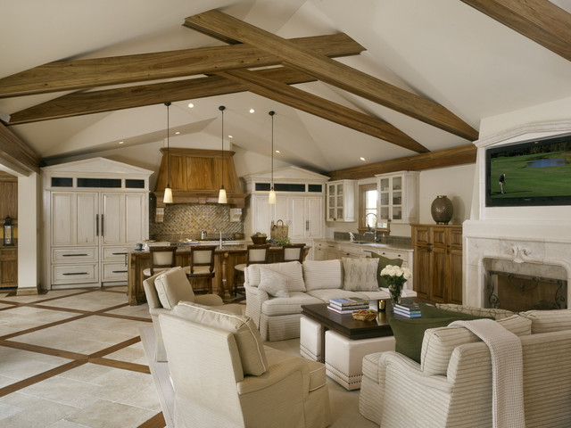 Benvenuti and Stein traditional family room