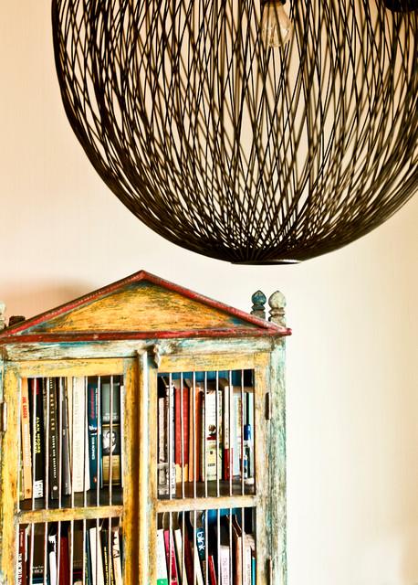 krishnans contemporary-family-room
