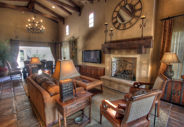 La Quinta Golf Bungalows mediterranean family room