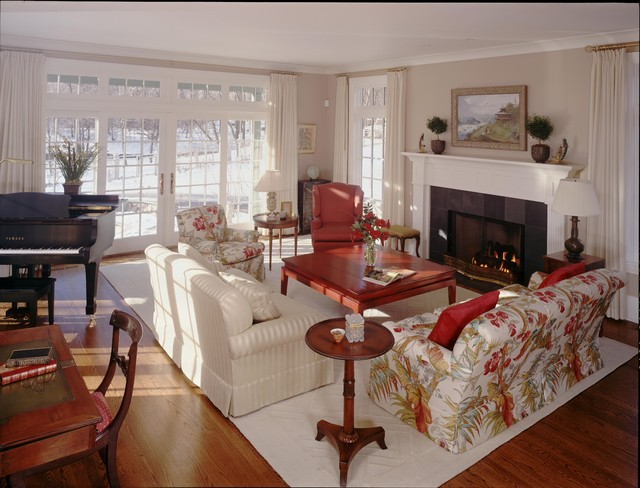Lakeside Gem - Family Room traditional-family-room