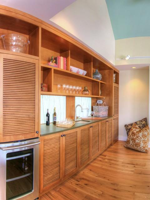 Family room - beach style medium tone wood floor family room idea