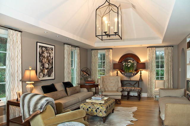 Leslie Hayes Interiors traditional family room