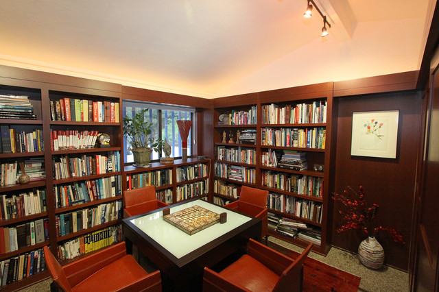 Library mediterranean-family-room