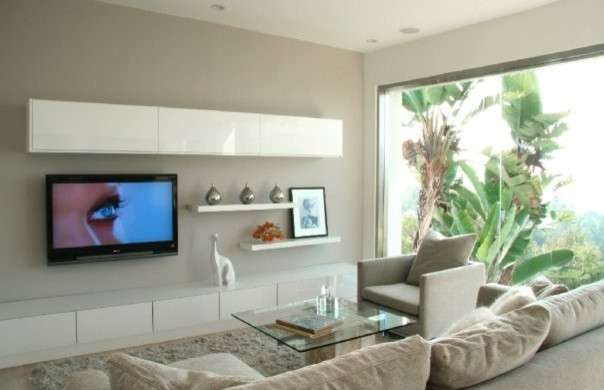 Lindaflora House Modern Family Room Los Angeles By