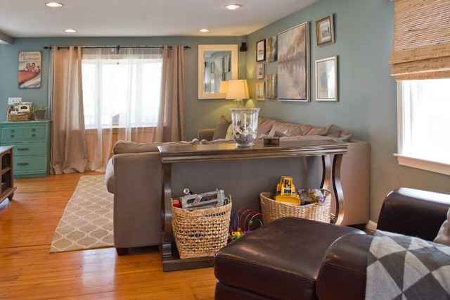 Example of a coastal family room design in Boston