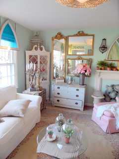 Living Room Spring Refresh - Shabby-chic Style - Family Room - Richmond - by Mikey Fuller Interiors