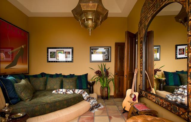 Malibu Mediterranean mediterranean-family-room