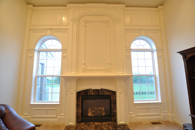 Mantle traditional-family-room