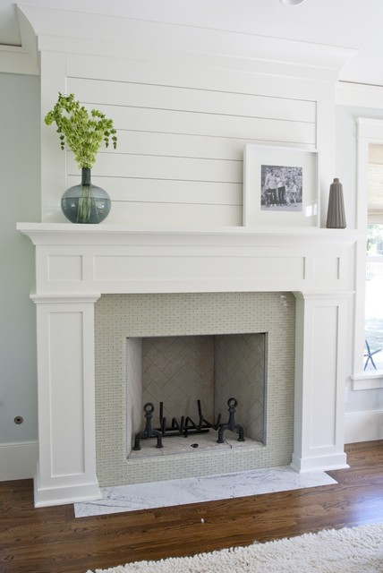 Mantle with wood slats contemporary-family-room