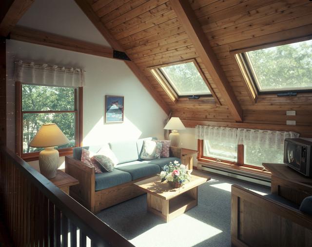 Martha's Vineyard Hideaway traditional-family-room