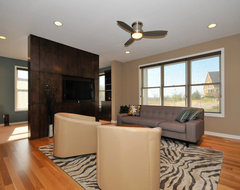 Mayo Woodlands modern family room