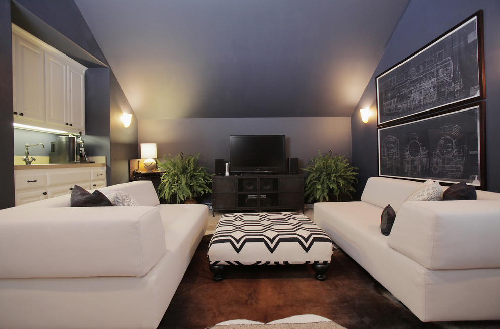 Eclectic family room photo in Dallas with blue walls